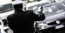 Immagine Ragazzo fa pipì per strada: maxi multa da 10mila euro