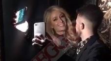 Paris Hilton, le notti a Milano tra cibo asiatico e fiumi di champagne