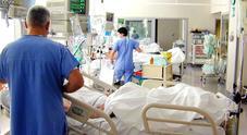 Niente lenzuola sterili, al Cardarelli sospese le «attività programmate»