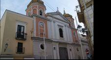 Forio d'Ischia, principio di incendio nella Basilica per un cicca di sigaretta