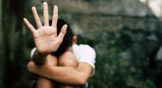 Abusi dal nonno, bimbo sotto choc: la violenza scoperta dalle maestre