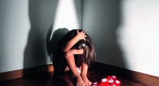 Orrore a Salerno: minore violentata da genitori, fratellastro e cognata