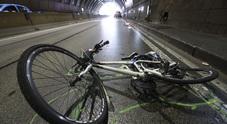 Napoli, incidente nel tunnel: chiusa la Galleria della Vittoria, grave ciclista