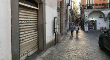 Baby gang taglieggia i negozianti del centro di Salerno: 3 misure cautelari