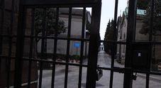 Napoli, il Comune chiude i cimiteri: «Allerta meteo e raffiche di vento»
