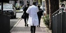 Immagine Finto medico per 30 anni: si fingeva immunologo