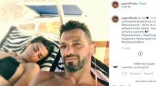 Pago, valanga di insulti a Serena Enardu sotto la ultima foto insieme. Il post: «Ho già pianto abbastanza»