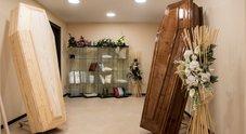 Napoli, scoperta la maxi evasione delle pompe funebri: sottratti al fisco 6 milioni di euro