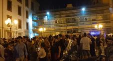 Napoli, viaggio nelle notti della movida: decibel alle stelle e poca sicurezza