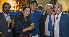 Attori, cantanti e luminari della medicina festeggiano il professor Santini