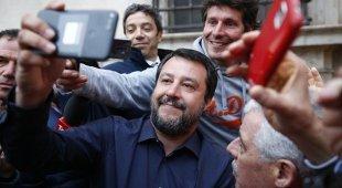 Governo, volano insulti tra Lega e M5S, appello a Salvini: «Stacca la spina»