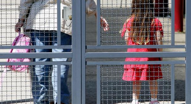 Roma, botte e violenze sui bambini : arrestata maestra elementare