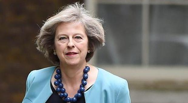 Gb, lettera della May a cittadini Ue: «Potete restare, vi tuteleremo»