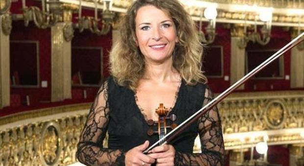 Cecilia, via da casa in Albania a 15 anni per diventare primo violino al San Carlo