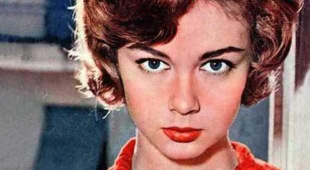 on sale 45179 e6897 Morta Lorella De Luca. Cinema in lutto per la star di ...