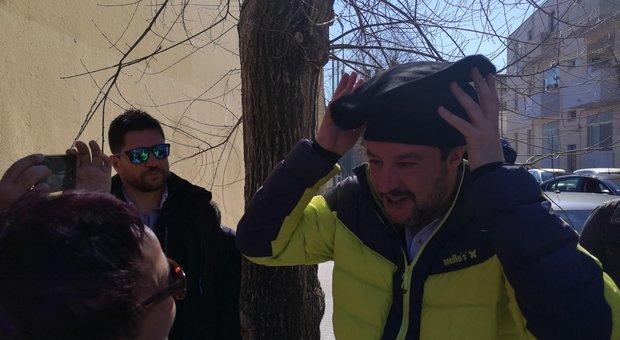 Salvini dalla Sardegna a Bari: «Contestatori non vi temo»