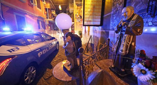 Con la polizia nel quartiere delle stese Sanità sotto assedio: la notte dei clan