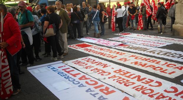 Napoli, sanità privata: sciopera solo la Cgil. Centinaia in piazza