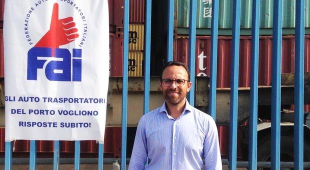 Napoli, stop di tre giorni al porto maxi file per il terminal container