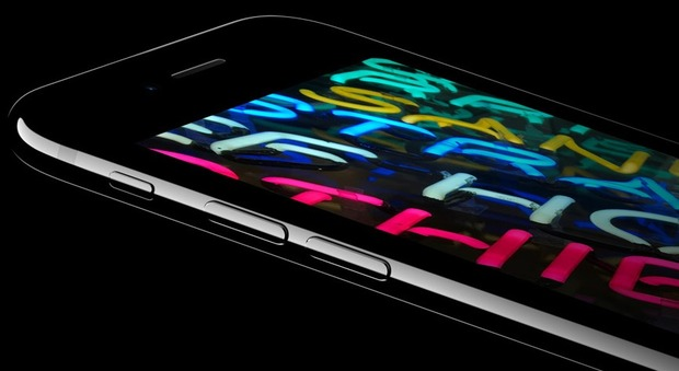 Apple, boom di ordini per l'iPhone 7 nero lucido. Ma Cupertino avverte: «Potrebbe graffiarsi»