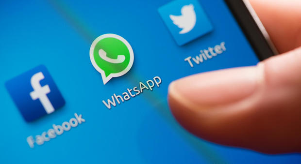 WhatsApp nella bufera dopo i video hard: