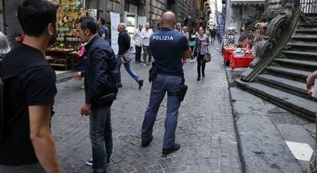 Napoli, 14enne ferisce coetaneo «Portavo il coltello per difendermi ho fatto una cavolata»