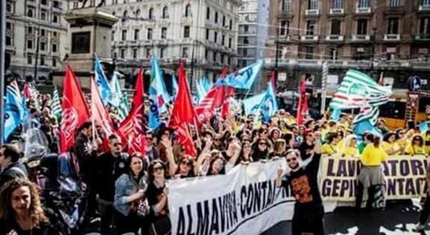 Crisi Almaviva, De Luca convoca sindacati e lavoratori in Regione