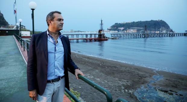 De Magistris guarda oltre la pioggia «A Napoli turisti 365 giorni all'anno»