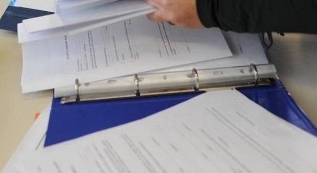 Statali, la firma del contratto entro Natale: in busra paga 85 euro in più