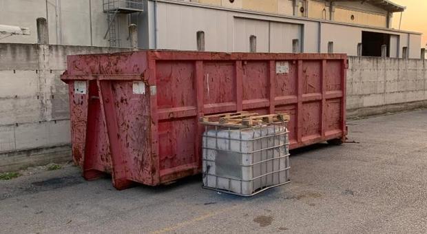 Arzano, sequestrato capannone con rifiuti speciali pericolosi - Il Mattino