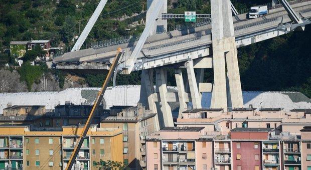 Genova, i consulenti del ministero: «Diverse concause per il crollo»