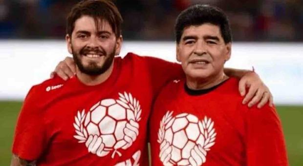 Maradona, Diego Jr scrive una lettera: «Ciao papà, con te accanto non avevo paura»