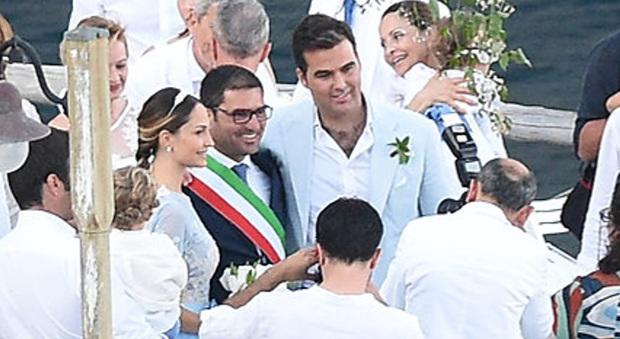 Matrimonio Vittorio Romano : Noemi ha detto sì l ex papi girl sposa a nerano il mattino