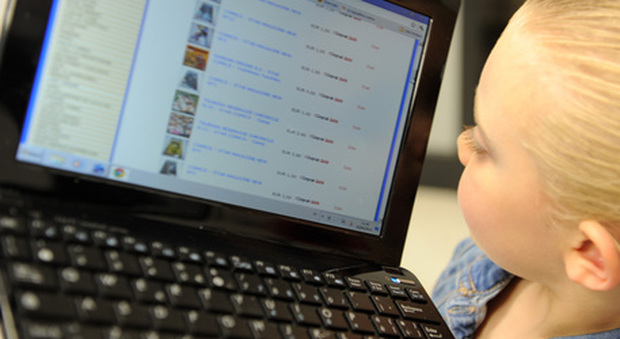 Allarme social: ogni bambino ha 1300 foto o video sul web prima dei 13 anni