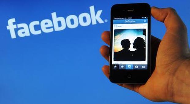 Da Facebook a Instagram, ecco come i social aumentano il rischio di depressione
