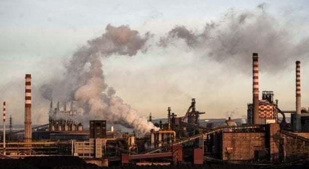 Mittal: se il governo non trova soluzione l'ex Ilva di Taranto a settembre chiude. Il Mise: irresponsabili