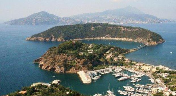 Napoli, giovani e ambiente: in 4mila abbracceranno isolotto di Vivara