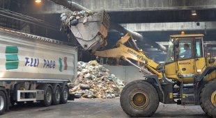Il sottosegretario: «Su compost a Napoli pronti a a tavolo Ministero»