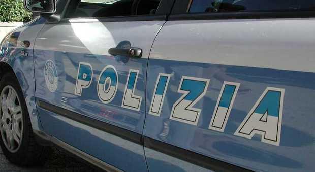 Napoli, 76enne in ospedale dopo lo scippo trascinata a terra dai banditi