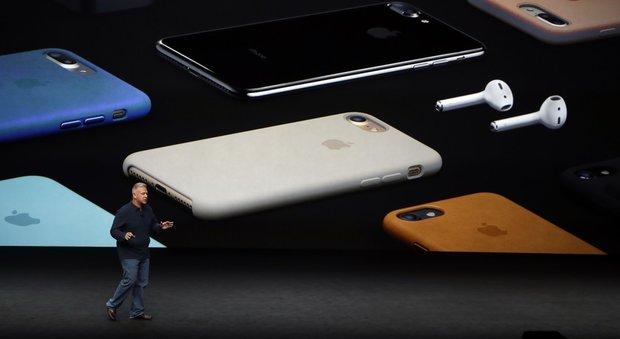 L'iPhone 7 presentato per errore su Twitter E arriva il nuovo Apple Watch