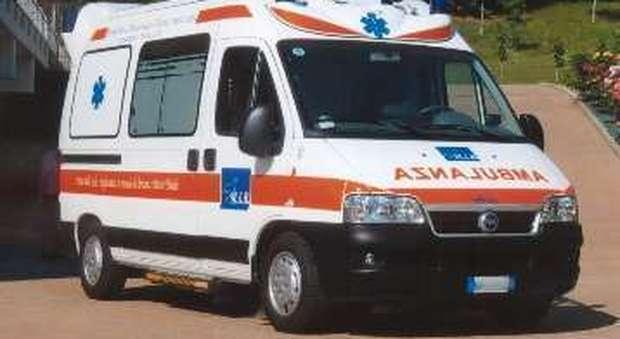 Tragedia a Messina, carico sporgente da un camion uccide una passante: la donna muore tra le braccia del figlio