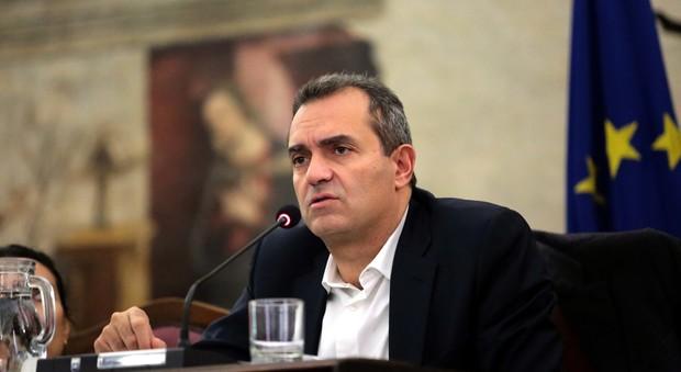 Napoli, dossier contro De Magistris: «Mi affido alla magistratura»