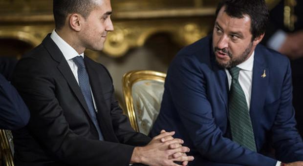 Salvini e Di Maio, la lite si allarga: ma i due leader temono la crisi