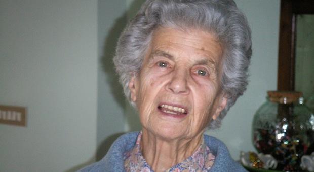 Pozzuoli, nonna Iva che compie 100 anni: ha vissuto le due guerre mondiali