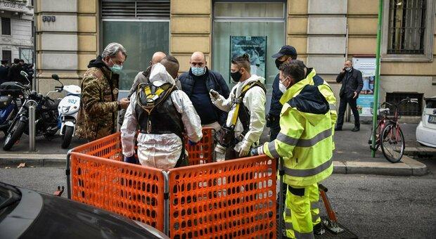 Milano, rapina nella banca Credit Agricole: dipendenti in ...