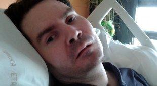 Stop alle cure mediche per Lambert, la madre accusa: «Sono dei mostri»