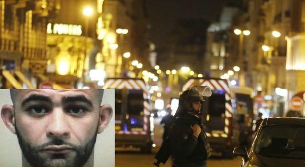 Parigi, spari sugli Champs Elysées: uccisi un poliziotto e l'assalitore