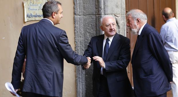 Corteo per Bagnoli, De Luca tuona «Basta cialtroneria amministrativa»