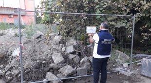 Cinquanta metri cubi di rifiuti in strada 33enne denunciata a Barra