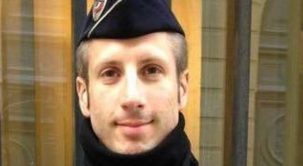 Chi era Xavier, il poliziotto ucciso a Parigi: «A novembre era al Bataclan»